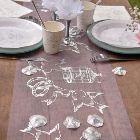 """Chemin de table """"alliances et colombes"""" pour une déco de table très romantique"""