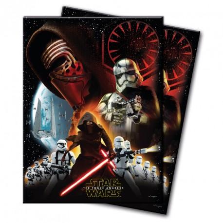 Nappe Star Wars 120 x 180 cm en plastique pour rester dans l'univers intergalactique de la saga.