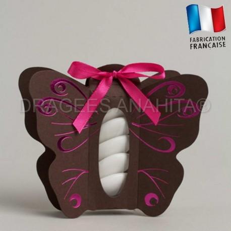 Boite à dragées papillon chocolat et fuchsia