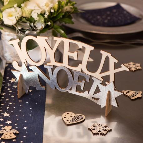 Lettres Joyeux Noël Argent pour semer la féérie de Noël sur vos tables.