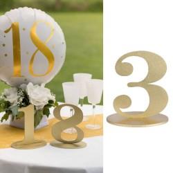 Marque table chiffre 3 Or pour numéroter vos tables à l'occasion d'un mariage ou de tout autre événement.