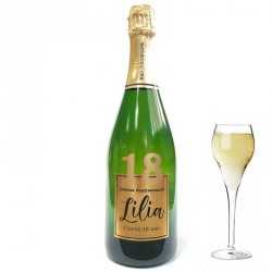 Servez le champagne pour votre 18 eme anniversaire dans une bouteille à votre nom
