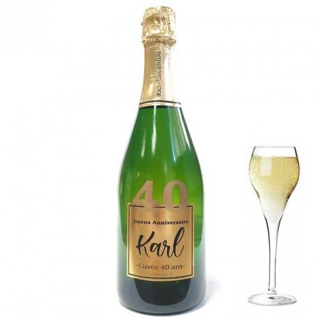 Servez le champagne pour votre 40 eme anniversaire dans une bouteille à votre nom