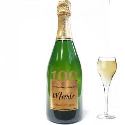 Servez le champagne pour votre 100 eme anniversaire dans une bouteille à votre nom