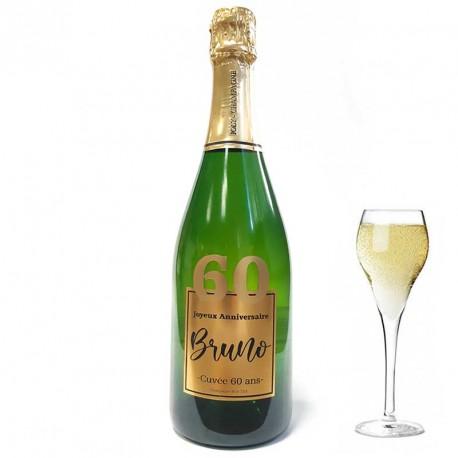 Servez le champagne pour votre 60 eme anniversaire dans une bouteille à votre nom