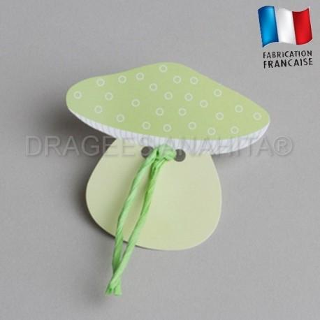 Etiquette  à dragées en forme de  champignons vert