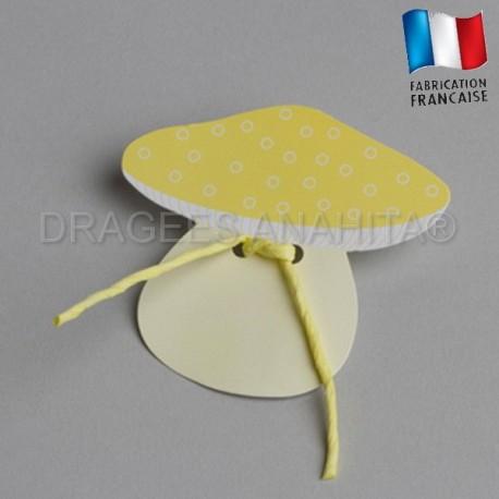 Etiquette  à dragées en forme de  champignons jaune