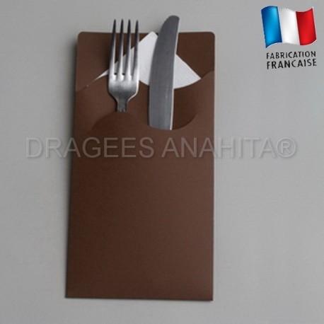 pochette couvert chocolat