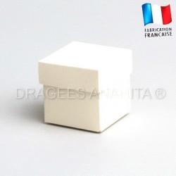 Cube uni à dragées ivoire