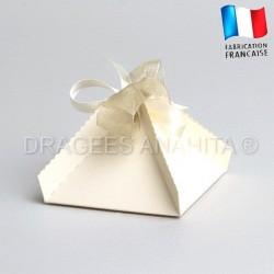 Boite dragées pyramide ivoire