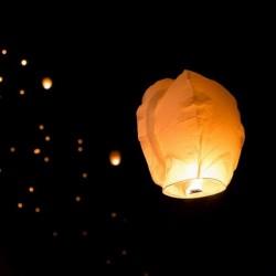 Sky lanterne blanc